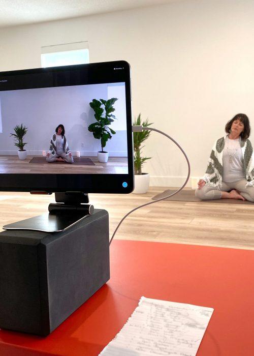 Julie Online Live Yoga